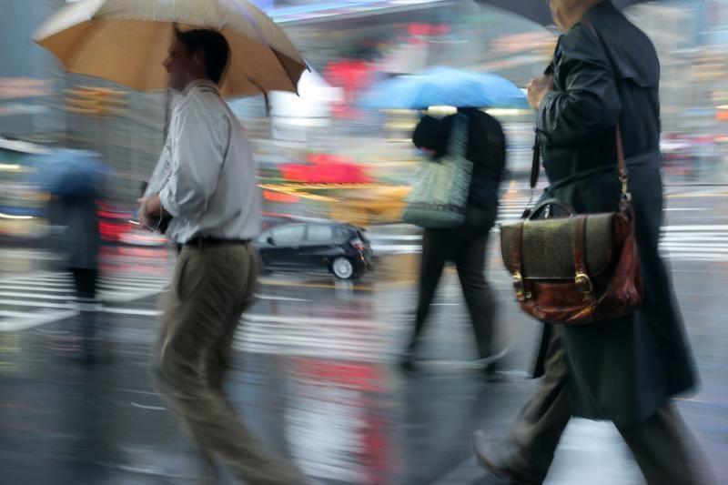 Savaitgalis bus lietingas, bet nešaltas