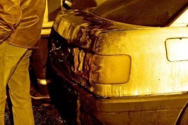 Vagys sudegino automobilį?