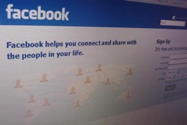 """""""Facebook"""" suformavo saugumo patarimo tarybą"""