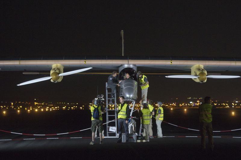 Saulės energijos varomas lėktuvas pakilo į pirmąjį tarpžemyninį skrydį