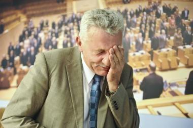 Nepatenkinti A.Salamakinu penki parlamentarai stabdo narystę etikos komisijoje