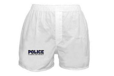 Britanijoje policininkams rekomenduojama vilkėti kuklius apatinius