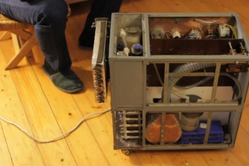 Lietuvis sukūrė įrenginį, kuris šildo patalpas degindamas vandenilį