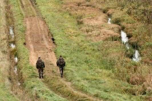 Orientaciją praradęs girtas medkirtys nuklydo į Baltarusiją