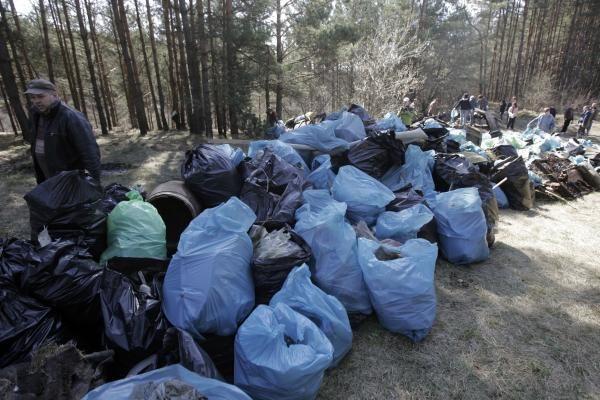 Aplinkos tvarkymo akcijos rengėjai žada, kad surinktos šiukšlės bus išvežtos per savaitę