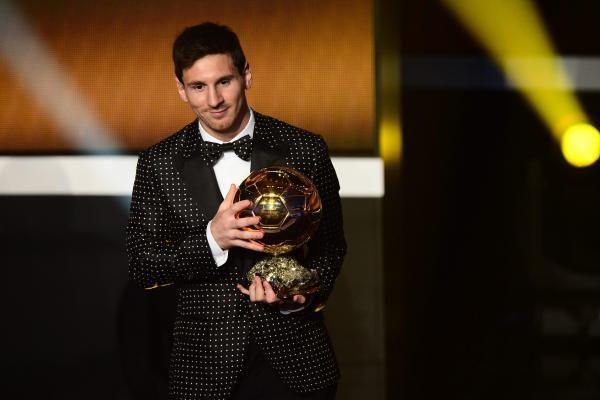 """Rekordas: L. Messi ketvirtą kartą tapo """"Auksinio kamuolio"""" savininku"""