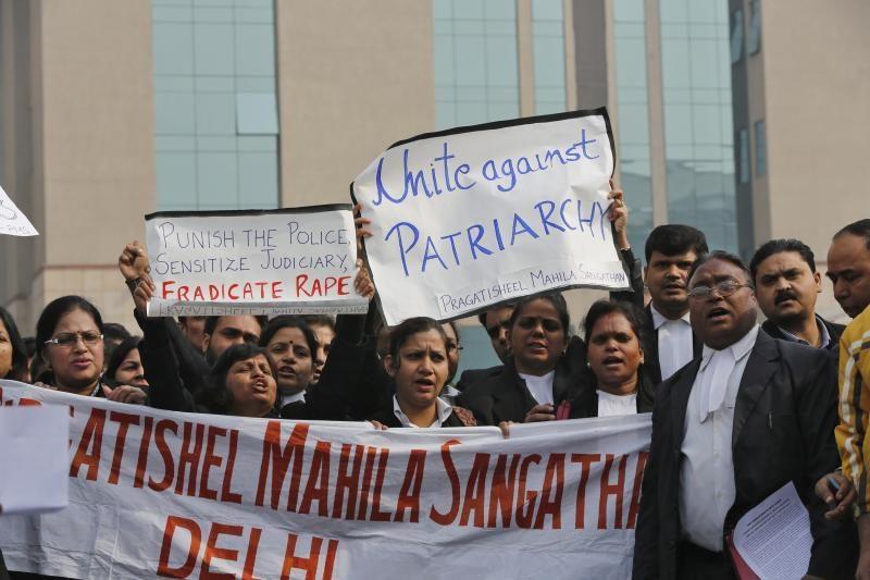 Indijos guru: išprievartauta studentė pati to prisiprašė