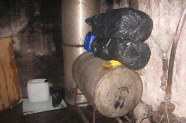 Kaune aptiktas alkoholio falsifikavimo fabrikas