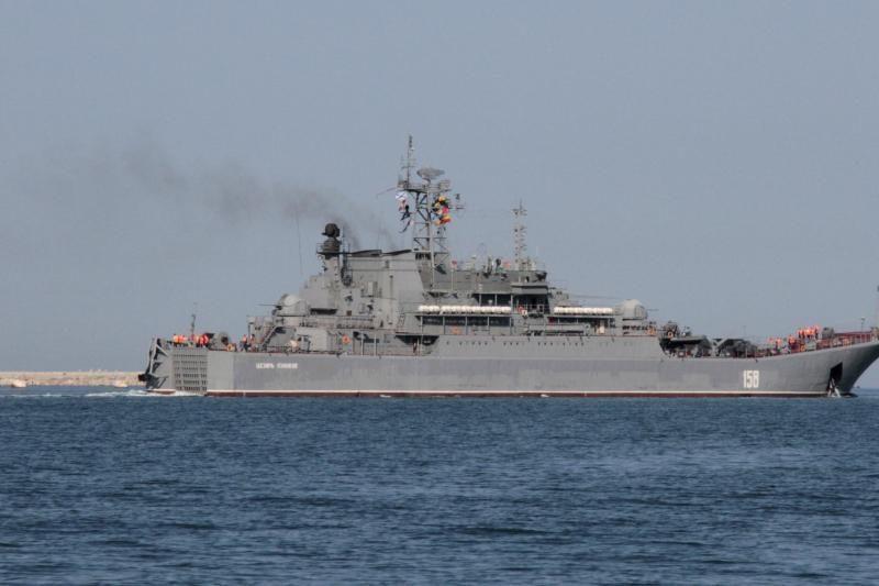 Rusijos laivybos kompanija neigia nelegaliai gabenusi į Siriją ginklus