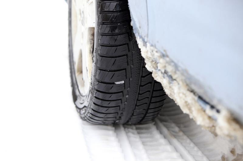 Dalyje Lietuvos dėl oro sąlygų blogėja eismo sąlygos