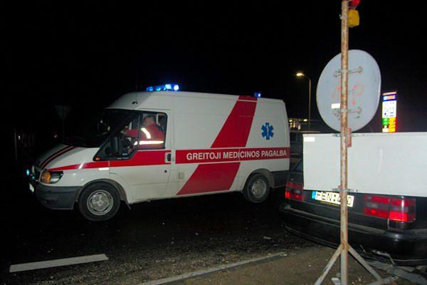 Po mašinos ratais papuolusi nepilnametė – ligoninėje