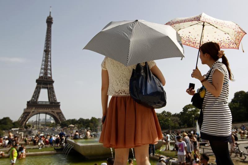 Eifelio bokštas paskelbtas brangiausiu paminklu Europoje