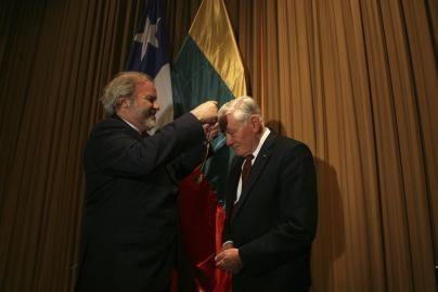 V.Adamkui - Čilės universiteto Garbės daktaro vardas