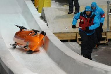 Ledo trasoje - naujos olimpiečių avarijos