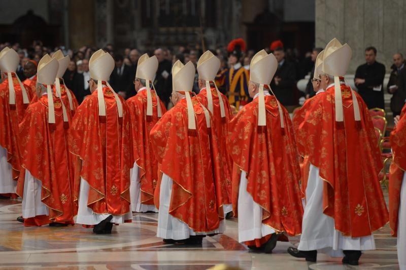 Kas taps nauju popiežiumi? 10 pagrindinių pretendentų (apžvalga)