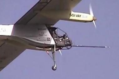 Šveicarijoje pakilo saulės energija varomas lėktuvas