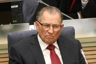 Prokuroras turi spręsti, ar pradėti ikiteisminį tyrimą prieš parlamentarą K.Ramelį