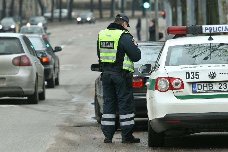 Per savaitgalio reidus policijai įkliuvo 129 neblaivūs vairuotojai