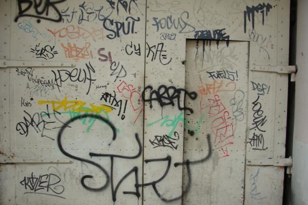 Vilniuje bus valomi nelegalūs grafičiai