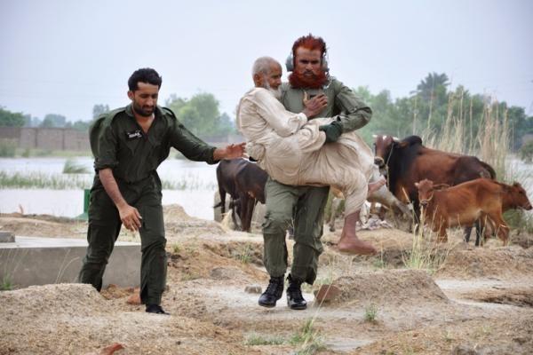 Pakistane susisprogdinus mirtininkui žuvo 17 žmonių