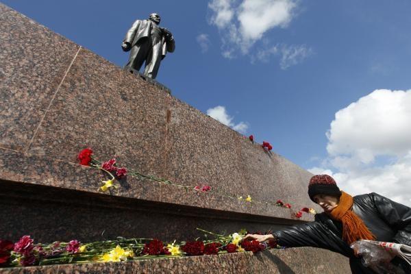 Mongolijos sostinėje pašalinta paskutinė Lenino statula