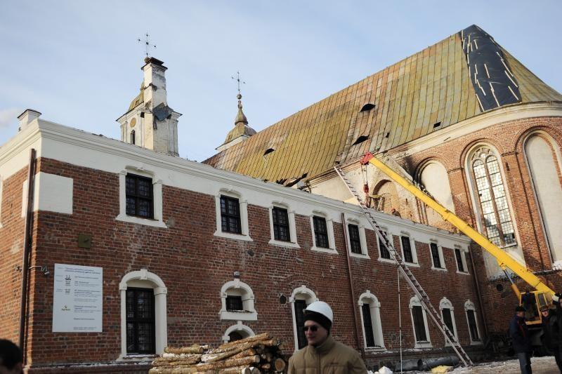 Tytuvėnų bažnyčiai gelbėti draudikai teigia išmokėję 750 tūkst. litų