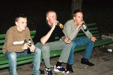 Prekybininkai: Seimas skatina nelegalią prekybą alkoholiu