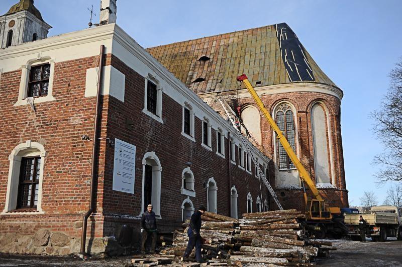 Tytuvėnų bažnyčią atstatys už 2 mln. litų, vienuolyną – 3 mln. litų