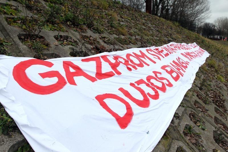 """Rusijos koncernui """"Gazprom"""" gresia iki 6 mlrd. dolerių bauda"""