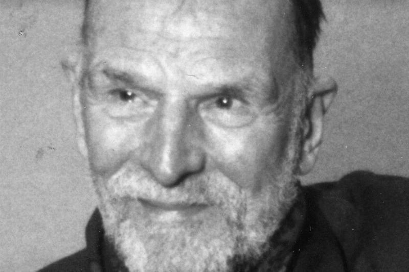 Mirė  skulptorius  Lionginas  Virbickas
