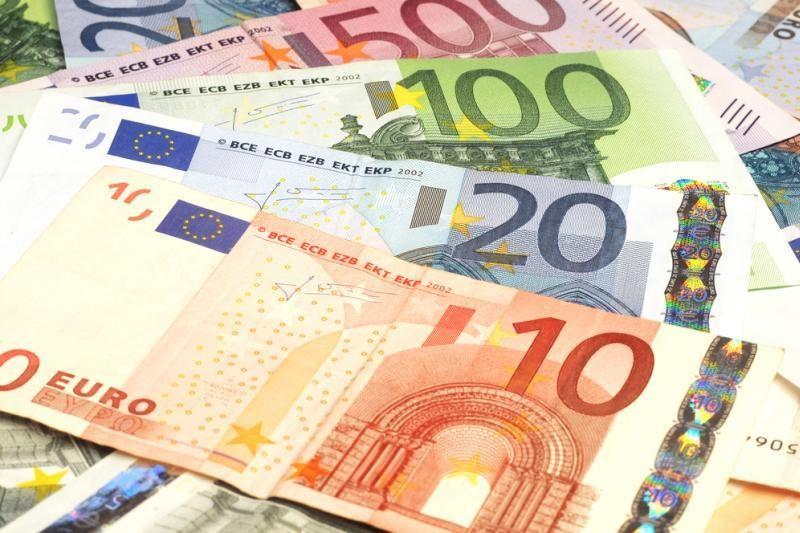 Baltarusis į Lietuvą vežėsi padirbtų eurų