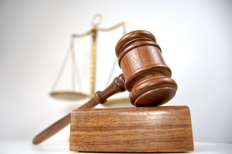 Teismas išteisino piktnaudžiavimu kaltintą antstolį V.Čegliką