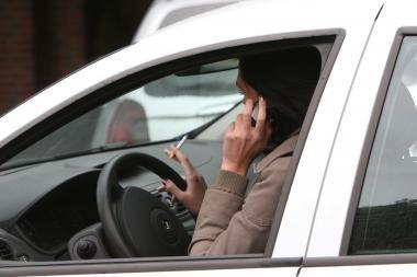 Kauniečiai ėmė patys gaudyti telefoninius sukčius