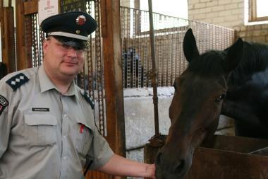 Lietuvos diplomatai siekia susitikti su Baltarusijoje sulaikytu Vilniaus raitosios policijos vadu