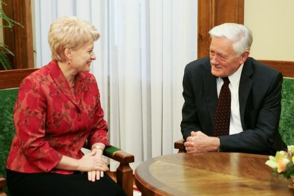 Didmiesčių gyventojai geriausiu Lietuvos prezidentu laiko V.Adamkų