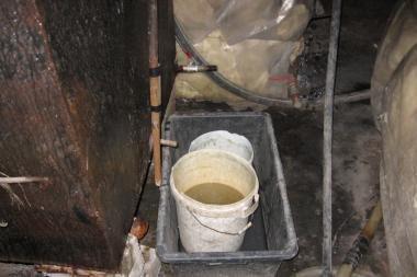 Aptiko statinę su 600 litrų raugu