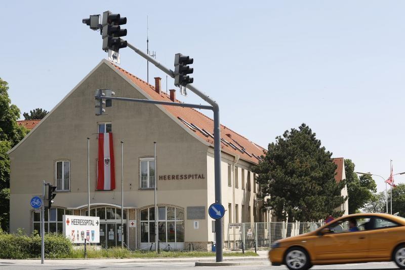 Austrijoje ranką nusipjovęs vengras vairavo automobilį 15 kilometrų
