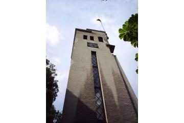 Bus remontuojamas kariliono bokštas