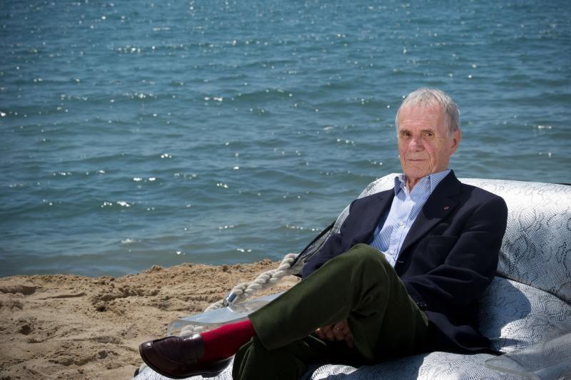 Mirė prancūzų kino kūrėjas Pierre'as Schoendoerfferis