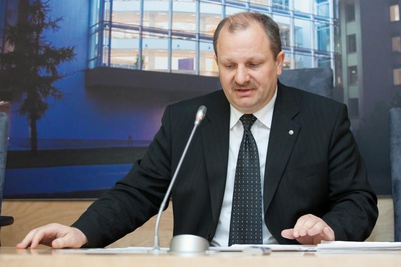Etikos sargai K.Komskį pripažino kišusis į ikiteisminius tyrimus