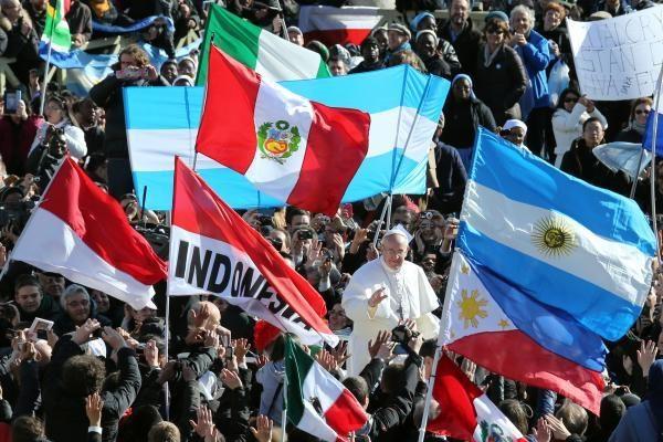 """""""Barcelona"""" popiežiui išsiuntė oficialių kvietimą apsilankyti stadione"""