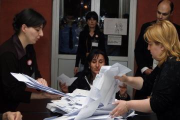 Gruzijos rinkimuose baigiami skaičiuoti balsai