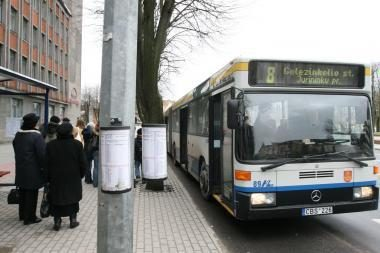 Sužalotos keleivės sūnus kaltina autobuso vairuotoją