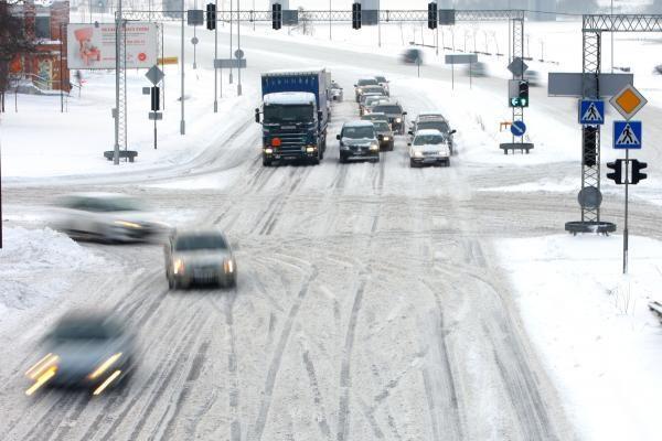 A.Valinskas siūlo griežtinti vairuotojų atsakomybę