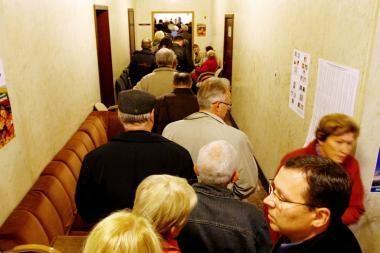 Iš anksto balsavusieji eilėje laukė valandą