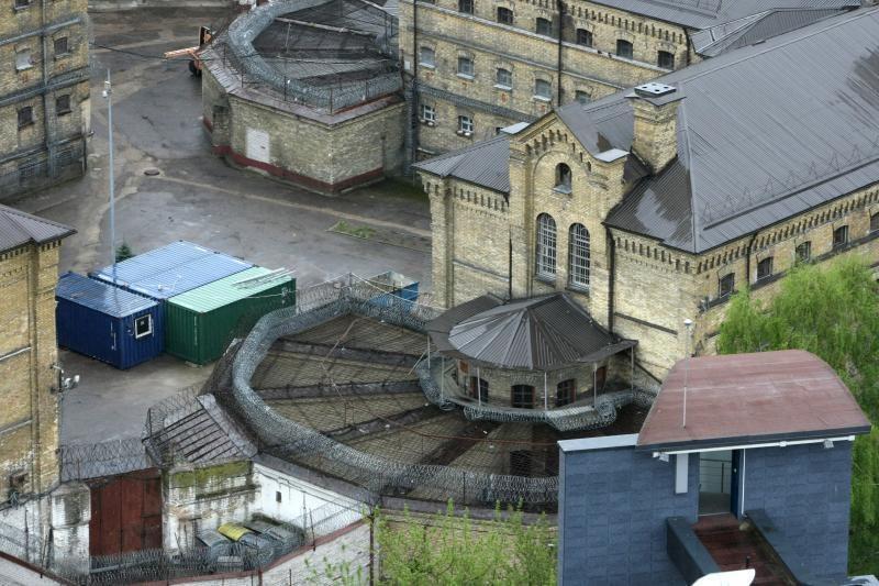 Lukiškių kalėjime -    suimtojo    lavonas