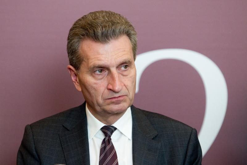 """G. Oettingeris: naujienų dėl """"Gazprom"""" tyrimo gali tekti laukti metus"""