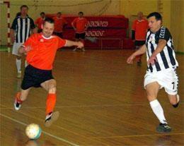 Senjorų salės futbolo pirmenybėse – identiškos rungtynės