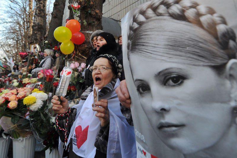 Julija Tymošenko dėl nugaros skausmų paguldyta į ligoninę