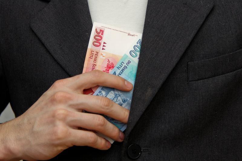 Už pusės milijono litų reikalavimą kalėti nuteisti du panevėžiečiai